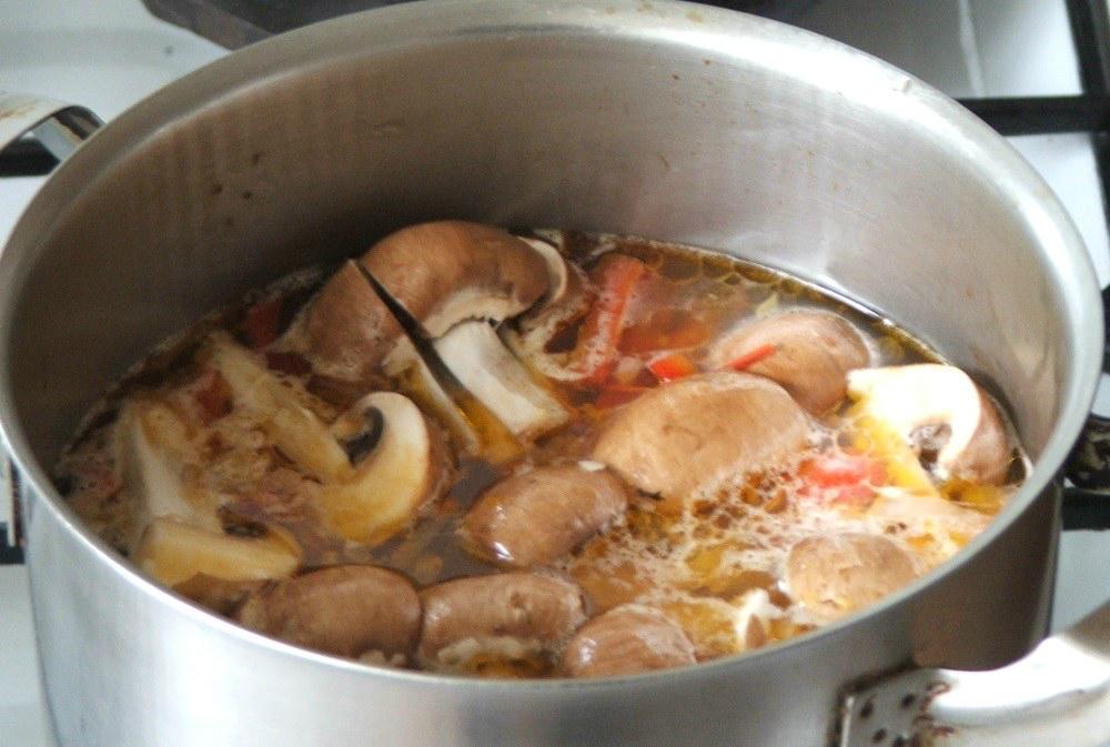 Ciuperci fierte cu usturoi. Salata de ciuperci cu usturoi: o gustare usoara si sanatoasa