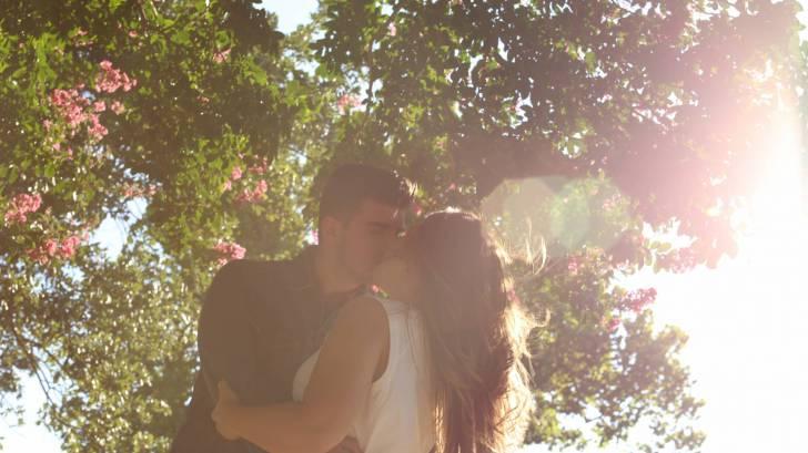 human papillomavirus kissing