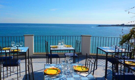 Hoteluri Giardini Naxos Italia - Hoteluri în Giardini Naxos - Rezervare hotel - thecroppers.ro